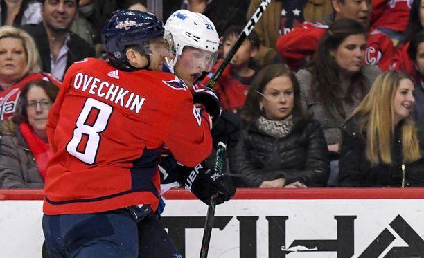 Aleksandr Ovetshkin on tälläkin kaudella pystynyt pitämään Patrik Laineen ja kumppanit kurissa maalipörssissä.