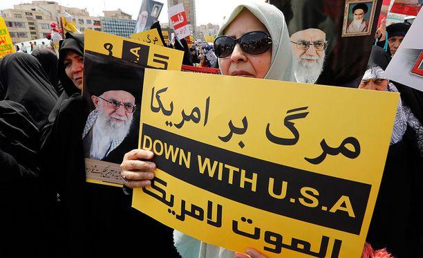 Iranilaiset osallistuivat Yhdysvaltoja ja Israelia vastustavaan mielenosoitukseen sen jälkeen, kun ainakin 62 palestiinalaista sai surmansa protestissa Gazassa viime keväänä.