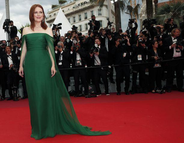 Oscar-voittaja Julianne Moore luotti vihreään.