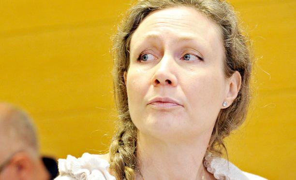 Anneli Aueria kuultiin oikeudessa vankilasta käsin.