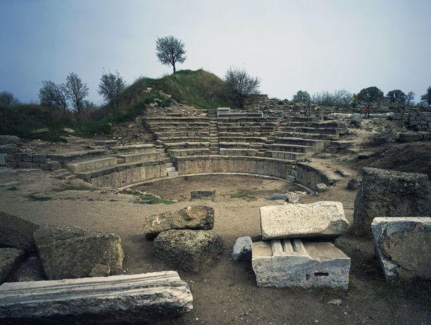 Troijan alueelta on löytynyt useiden antiikinaikaisten kaupunkien rauniot.