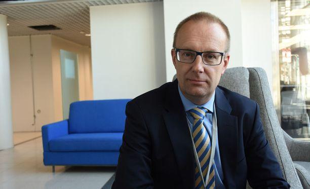 SAK:n puheenjohtaja Jarkko Eloranta sanoo, että hallitus näivettää työntekijöiden turvaa esityksillä, joiden työllisyysvaikutukset ovat epävarmoja.