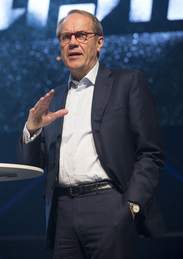 Nokia nousi Jorma Ollilan johdolla maailman suurimmaksi matkapuhelimien valmistajaksi. Menestystä seurasi kuitenkin romahdus.