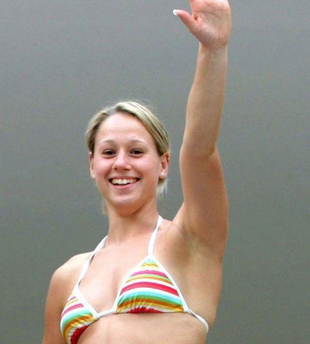 Jenny Bongardt epäonnistui pahasti Pekingin olympialaisissa vuonna 2008. Voittajasuosikki jäi sijalle 15.
