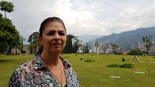 Jos Pablo Escobarista haluaa todellisen kuvan, kannattaa puhua heidän kanssaan, jotka menettivät läheisiään hänen vuokseen, Doris Restrepo sanoo.