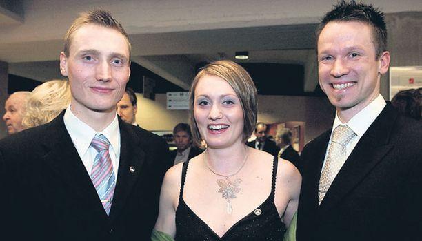 Pirjo Muranen, ent. Manninen, tuli Hiihtoliiton juhliin Hannu-veljensä ja Ville-miehensä kanssa.