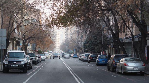 Mashtots Avenuen tunnelmia.