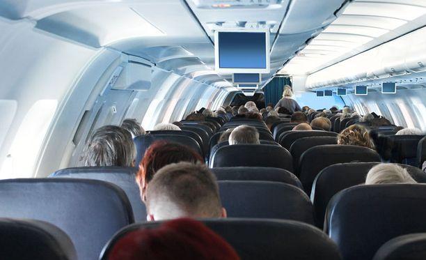 Hoikka pääsee reissuun edullisemmin kuin tuhdimpi matkaaja.
