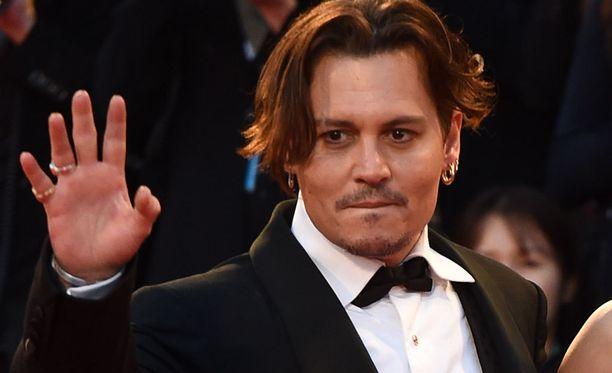 Johnny Depp on menestynyt loistavasti näyttelijänä, muttei halunnut tyttärensä valitsevan samaa ammattia itselleen.