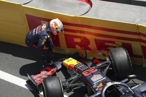 Max Verstappenin harjoitus meni piloille seinäkontaktin takia.