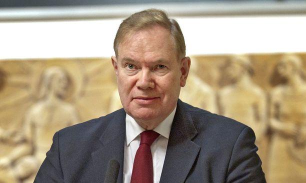 Myös Sauli Niinistö ja tulevat presidentinvaalit saivat Lipposelta kritiikkiä.