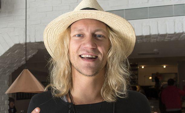 Jukka Hildén on joutunut rahavaikeuksiensa takia ongelmiin.