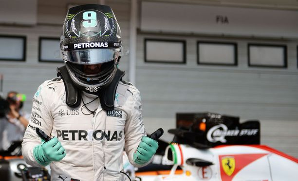 Nico Rosberg saa lähteä paalulta Unkarin F1-osakilpailuun.