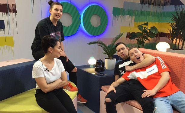 Troot vision -lähetyksessä vierailivat tänään Anna Abreu ja Lakko.