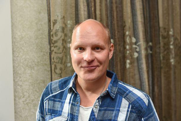Kalle Palander muuttaa.