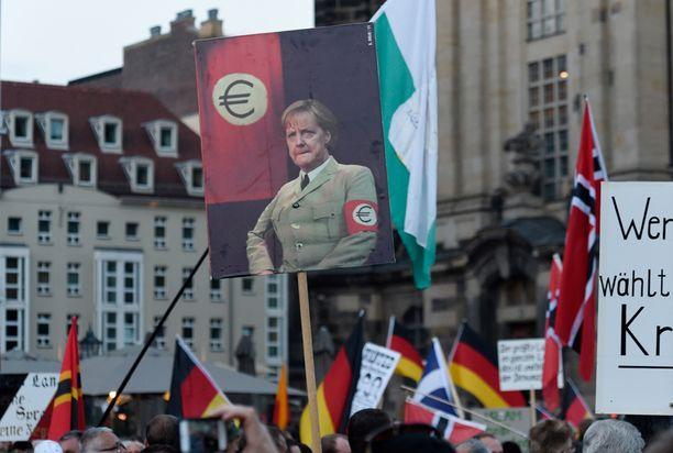 Dresdenissä pidetyn mielenosoituksen järjesti islaminvastainen Pegida-liike.