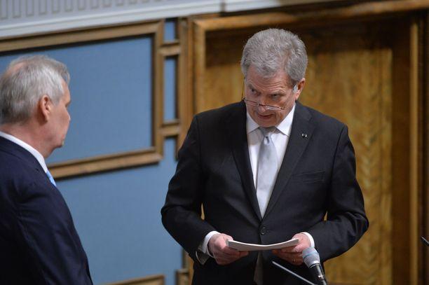Tasavallan presidentti Niinistö puhui valtiopäivien avajaisissa eduskunnassa. Vasemmalla puhemies Antti Rinne.