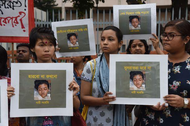 Dhakassa järjestettiin huhtikuussa mielenosoituksia Nusrat Jahan Rafin murhan takia.