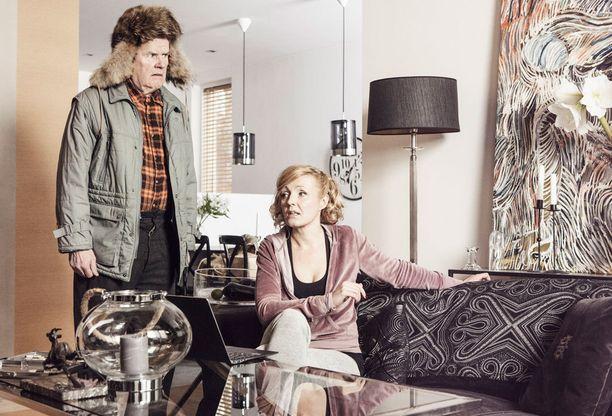 Mielensäpahoittajaa esittää Antti Litja, miniää Mari Perankoski.