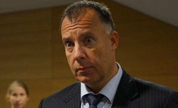 Kari Uotin mukaan Finanssivalvonta selvittää toimia roskapankki Arsenalissa.