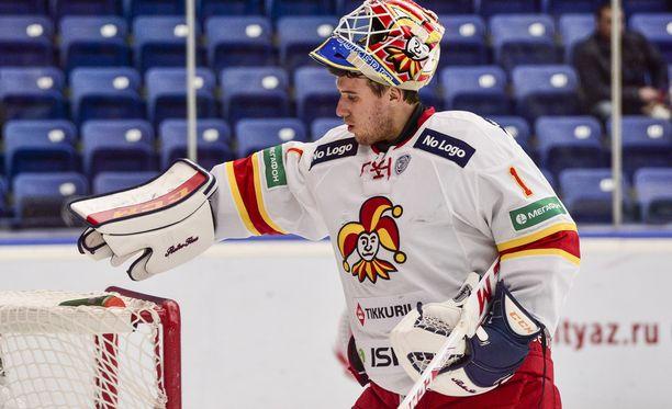 Henrik Karlsson on hyvässä torjuntavireessä.