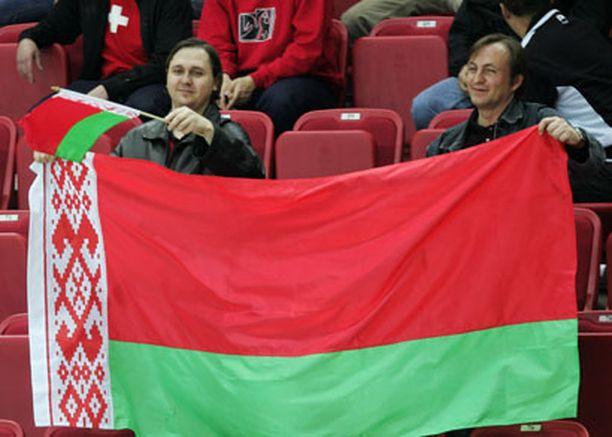 Kansallistunne siivittää Valko-Venäjän peliä.
