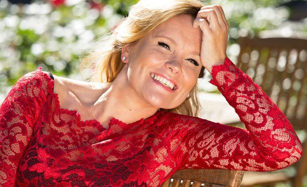 Piia Koriseva kertoo, että hän ja Arja saivat Hymy-lehden jutusta hyvät naurut.