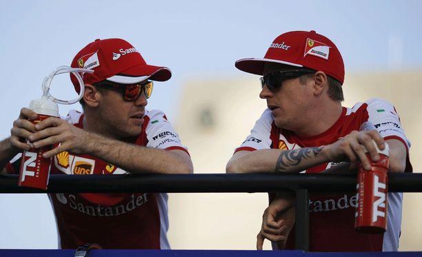 Kimi Räikkösen mukaan Ferrarilla ei suosita kumpaankaan kuskia.