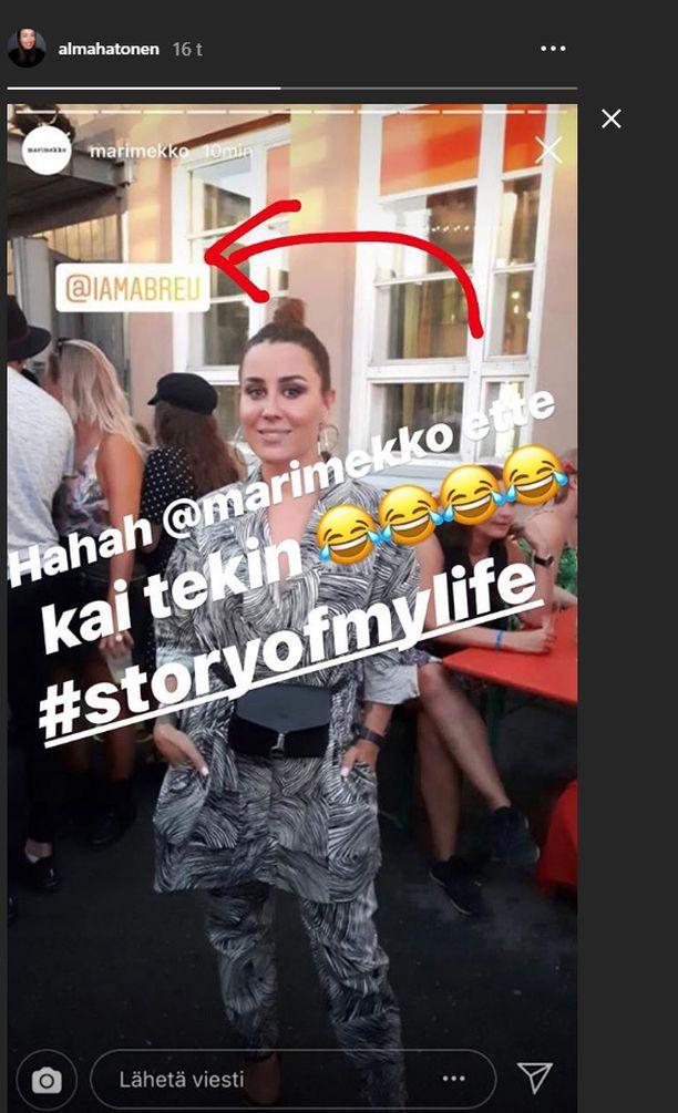 Alma Hätönen bongasi itsensä Instagramista. Marimekko oli sekoittanut hänet suosikkilaulajaan.