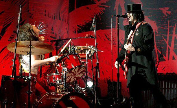 White Stripes esiintyi Lontoossa vuonna 2005.