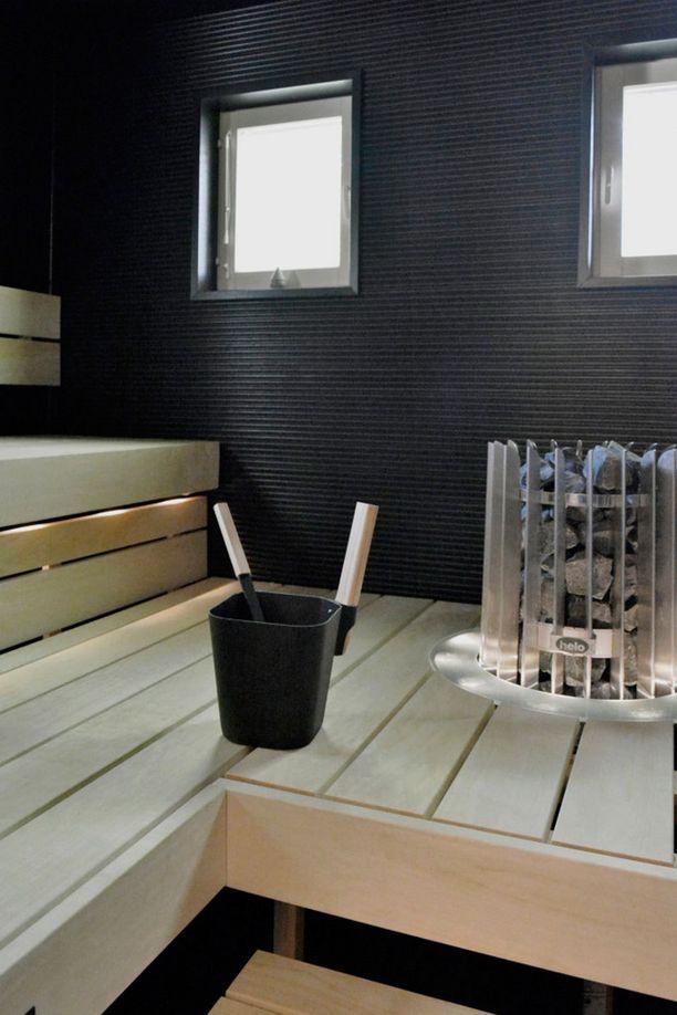 Sauna ja kylpyhuone uusiittiin myös.