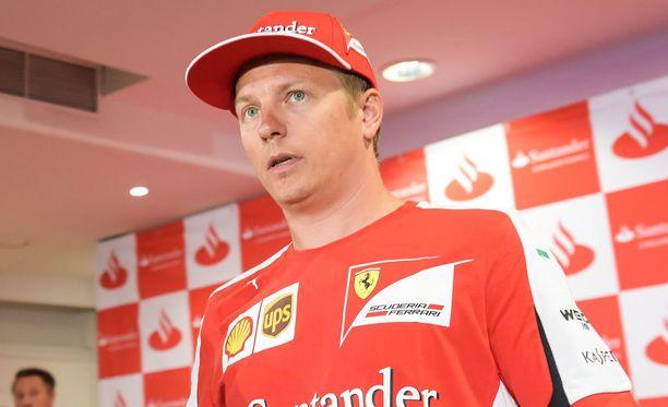 Kimi Räikkönen kehui tunnelmaa Ferrari-tallin sisällä.