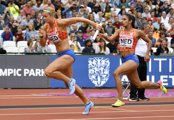 Madiea Ghafoor (oikealla) oli mukana Hollannin viestijoukkueessa myös Lontoon MM-kisoissa kaksi vuotta sitten.