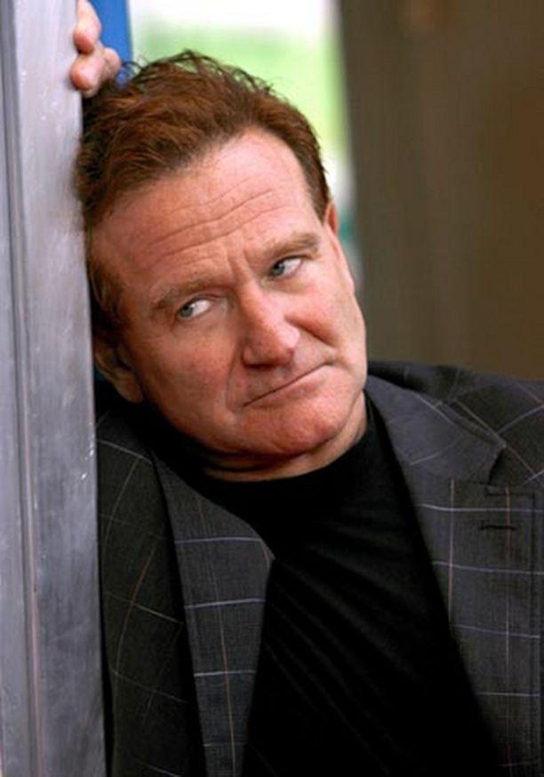 20 vuotta kuivin suin viihtyneelle Robin Williamsille on jälleen alkanut viina maistua.