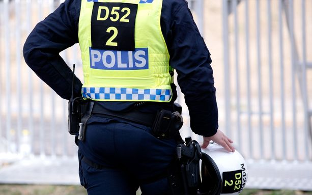 Ruotsin poliisi yrittää löytää kohtalokkaan harhalaukauksen ampujan.
