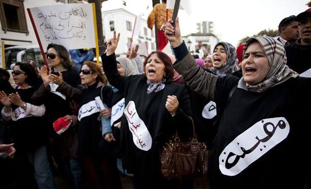 Marokkolaiset naiset osoittivat mieltään kansainvälisenä naistenpäivänä 8. maaliskuuta.