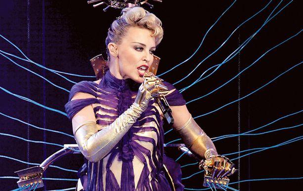 Helsingin Areenan yleisö sai kuulla Kylien suurimpia hittejä.
