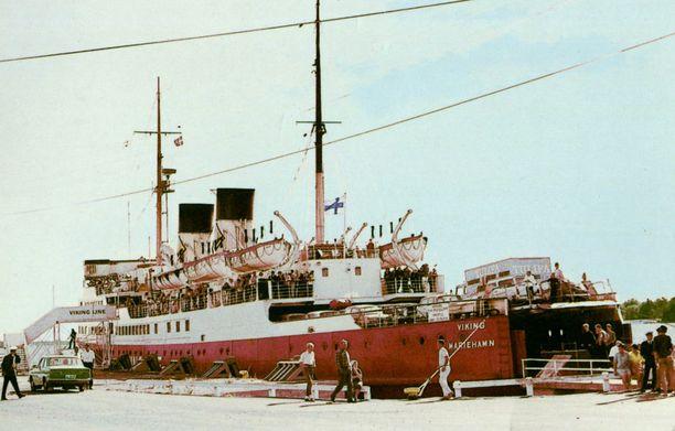 1960-luvulta peräisin oleva postikortti S/S Vikingistä.