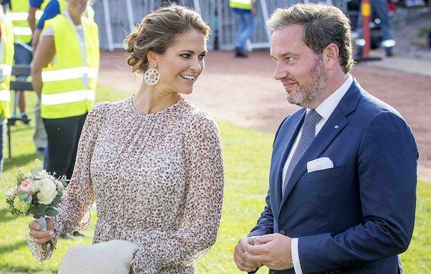 Prinsessa Madeleine avioitui kesällä 2013 Chistopher O'Neillin kanssa. Sittemmin kaksikko on asunut esimerkiksi New Yorkissa ja Lontoossa.