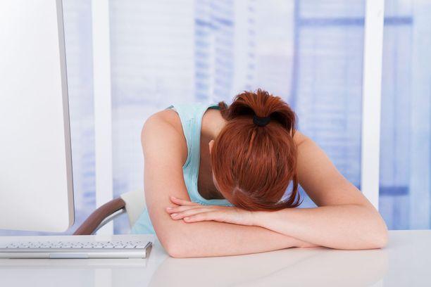 Hanna on ihmeissään, miten eriarvoisessa asemassa kroonista väsymysoireyhtymää sairastavat ovat.