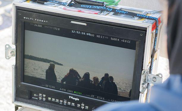 Ohjaajan monitori Bändi nimeltä Impaled Rektum -elokuvan kuvauksissa. Elokuvan ohjaavat Jukka Vidgren ja Juuso Laatio.