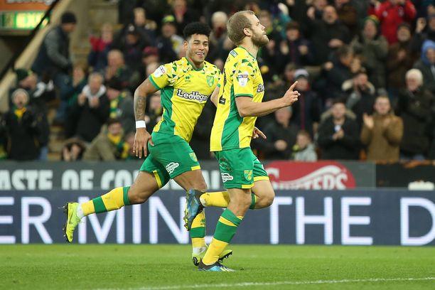 Teemu Pukki laukoi jälleen maalin Norwichille.