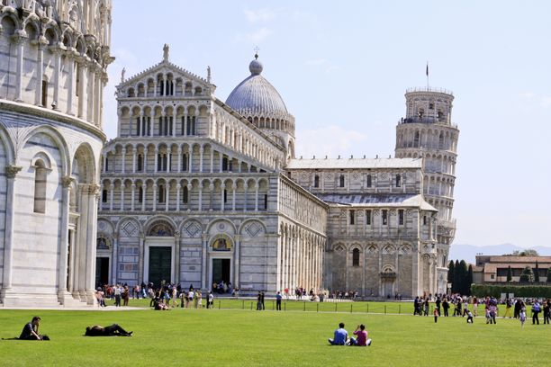 Mies asui lähellä Pisan kaupunkia.