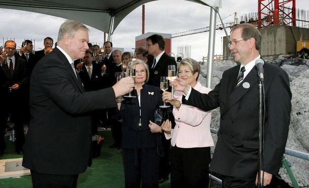 Hankalasta alusta huolimatta Pertti J. Rosilan ja Paavo Lipposen välit korjautuivat. Rosilan mukaan Lipponen on perusluonteeltaan ystävällinen ja hänellä on erinomainen huumorintaju. Kuva syyskuulta 2005.
