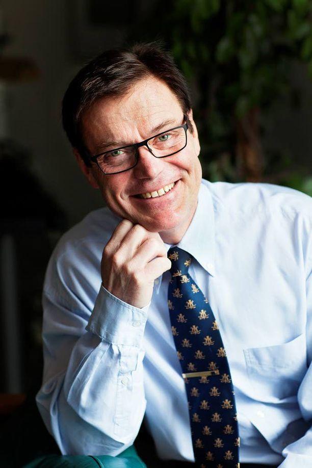 Vehon toimitusjohtaja Kenneth Strömsholm ihmettelee miten valtiovalta on sählännyt pois kaikki lupauksensa autoveron poistamisesta Suomessa. (Kuva: Veho)