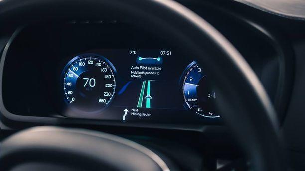 Auto löytää tiensä perille elektronisilla silmillään - turvallisesti,vaikka vastuu on kuljettajalla.
