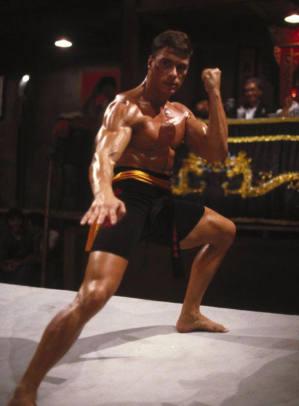 Jean-Claude Van Damme huippuaikoinaan Bloodsport-elokuvassa 1988.