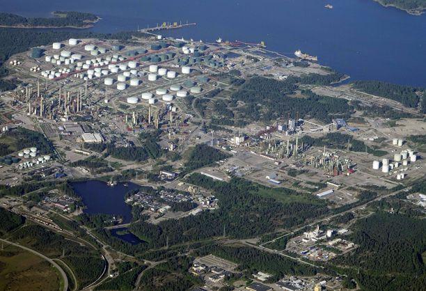 Maksuvaikeuksiin joutunut rakennusliike on välittänyt noin 180 työntekijää Porvoon öljynjalostamon seisokkityömaalle.
