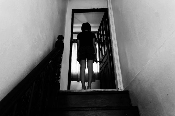 Poliisihallituksen mukaan vuonna 2020 viranomaisten tietoon tuli selvästi tavanomaista enemmän lapsen seksuaalisia hyväksikäyttöjä.