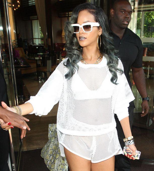 Ruotsalaiset suhtautuvat varauksella Rihannaan.